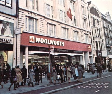 Woolies! Bought all my tapes in here as a kid!