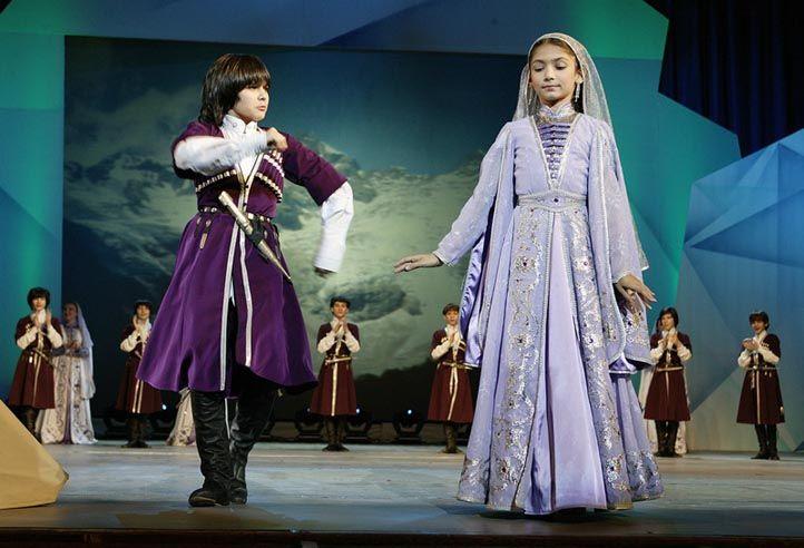 грузинский национальный костюм фото коврики