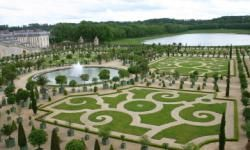Have you ever visited a famous garden? Gardens both big and small have the ability to awe nature-lovers with their dedication to beauty and tranquility. Check out our amazing album of famous gardens.