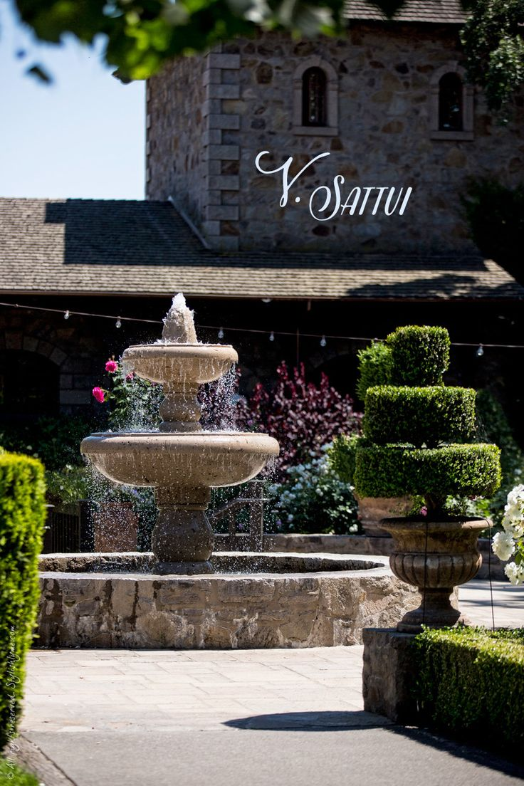 The Best Napa Valley Wineries for First-Time Visitors - V.Sattui #VisitNapaValley