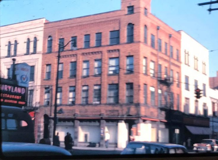 Altman Blde 1963 fifth and Market