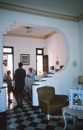 Art Deco House, Havana, Cuba - Arch opening detail