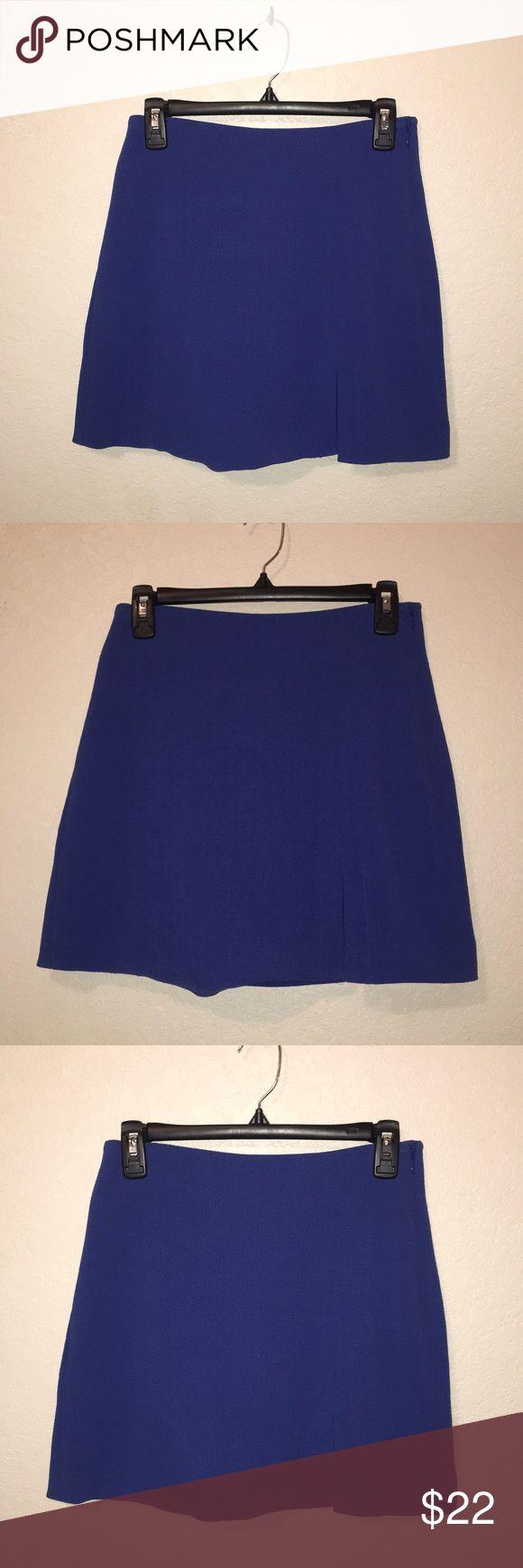 NWT. BCBG Generation. Blue mini skirt with slit 💙 NWT. BCBG Generation. Blue mini skirt with slit 💙 BCBGeneration Skirts Mini