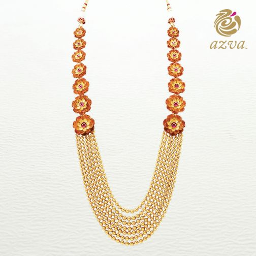 Be the epitome of style and sophistication with this breathtaking #Azva neckpiece. #WeddingVows #BridalGold