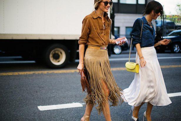 Encuentra aquí 10 formas para ir perfecta con tu falda midi, una de las prendas más femeninas que la moda nos ofrece hace algunas temporadas, y llegaron para quedarse.