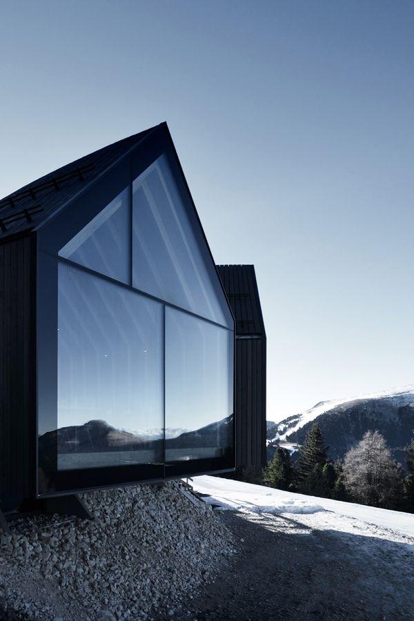 THREE MOUNTAIN HUTS | PETER PILCHER ARCHITECTURE