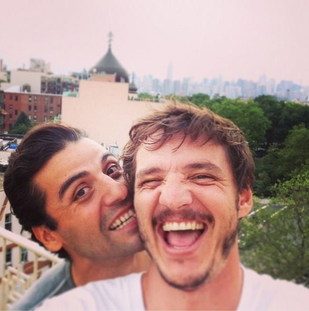Pedro Pascal, Oscar Isaac ... why are these two in the same picture?!?!?!? ARE THEY TRYING TO KILL ME?!?!