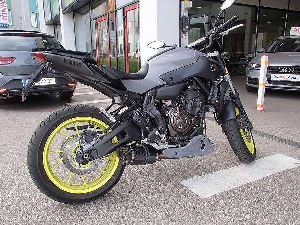 "FOR SALE: Spoiler for Yamaha MT-07 in Colour ""Night Fluo-Grey"" Free shipping worldwide https://www.willhaben.at/iad/kaufen-und-verkaufen/d/yamaha-mt07-bodystyle-bugspoiler-in-nightfluo-lackiert-169467153/"