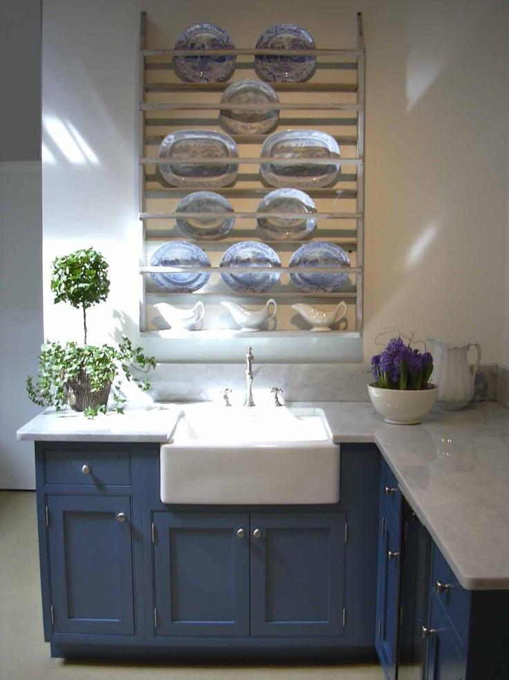 92 best dark blue kitchen images on pinterest for Navy blue kitchen ideas