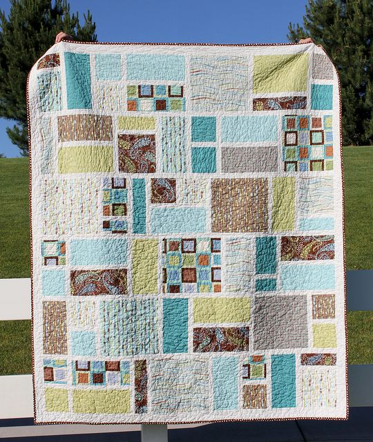 Large Square Block Quilt Patterns : The 25+ best ideas about Big Block Quilts on Pinterest Large print quilt blocks, Quilting ...