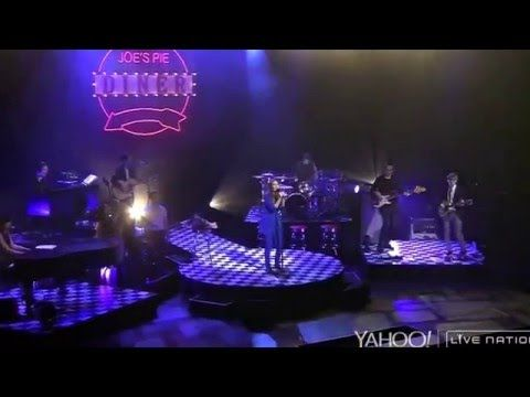 Sara Bareilles - Everything Changes Live - YouTube
