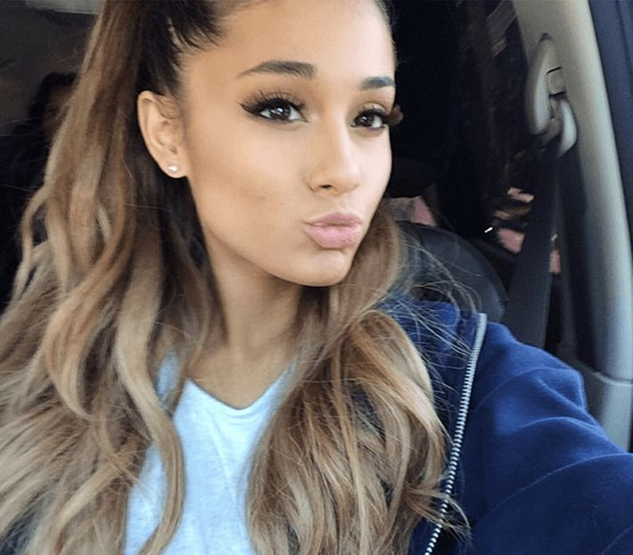 Obsessed with her makeup. #arianagrande #selfie