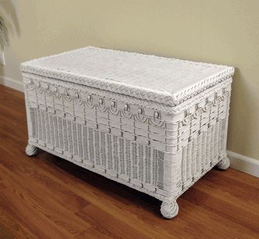 ~~~ Wicker Trunk: Victorian Style ~ Large Size via @wickerparadise