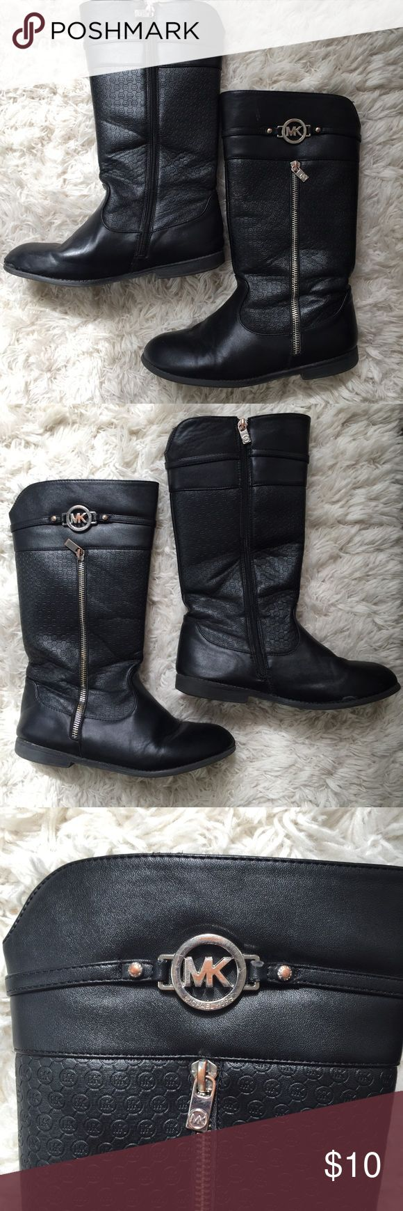 Girls MK Boots Used condition, signs of wear, but still has lots of use left! Michael Kors Shoes Boots