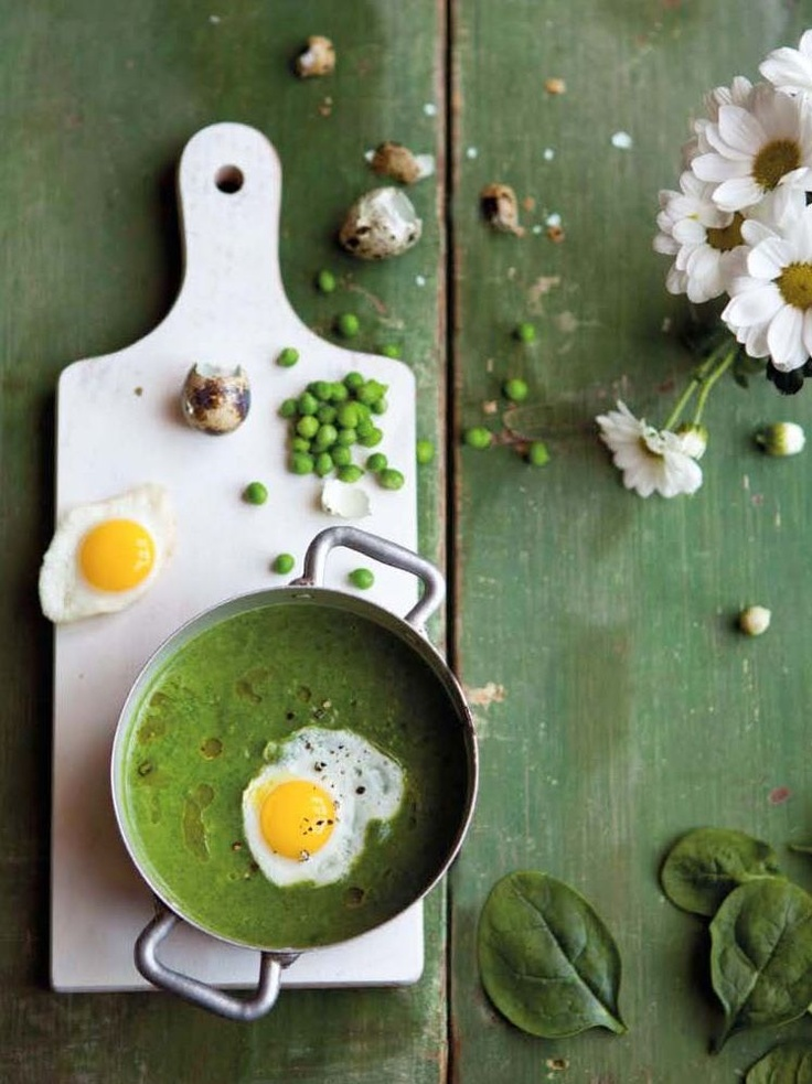 Pea-spinach soup