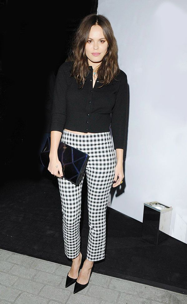 Yet another ultra-stylish way to wear gingham! // #fashion #style #trends