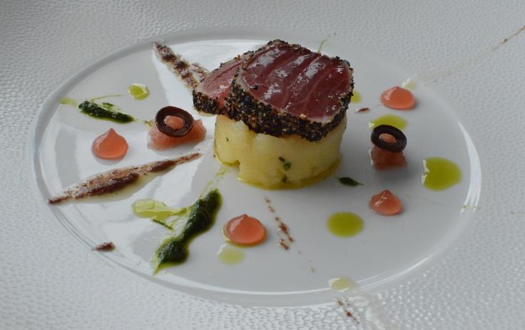 Pepper cured tuna w black olive puree, chive & cabernet sauvignon vinegar