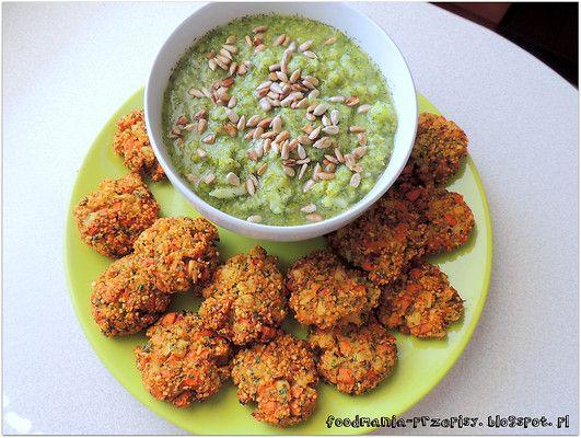 http://foodmania-przepisy.blogspot.com/2014/04/krem-brokuowy-z-kotlecikami-warzywnymi.html