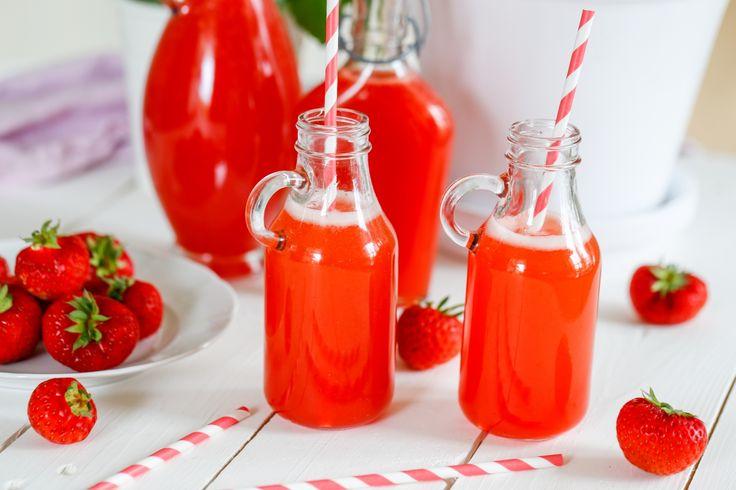 Rårörd jordgubbssaft, som smaken av sommar på flaska!
