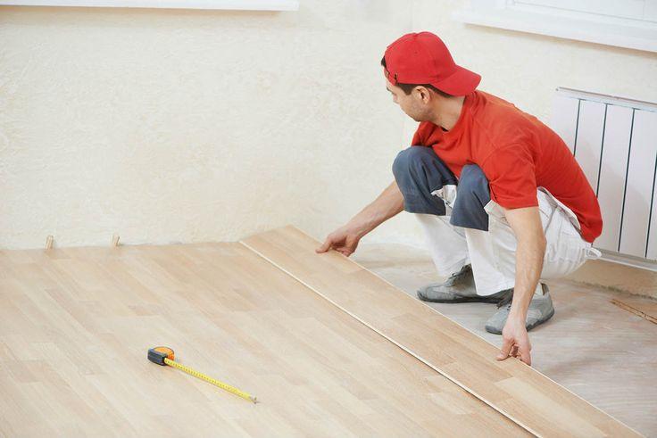 Comment choisir le parquet flottant ? Comment poser du parquet flottant ? Tous les conseils travaux et bricolage pour savoir comment poser du parquet bois.