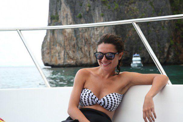 """E meu último destino na Tailândia foi Phuket! Mas calma, ainda não acabou!!! Depois veio o Camboja… Em Phuket fiquei hospedada no hotel Amanpuri por 3 noites. Apesar do lugar ser MARAVILHOSO foi sufuciente. Optei por ficar no """"continente"""" e sair para fazer passeios de barco pelas ilhas. O programa por lá era relaxar na …"""