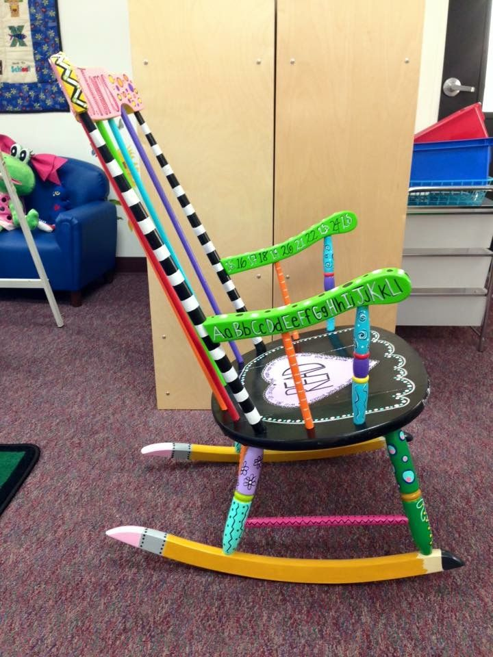 Painted Chair: This is a rocking chair I painted for a preschool teacher in Okeechobee Florida. It was quite the project!