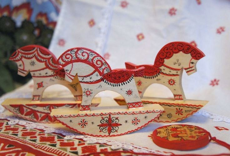 Handmade wooden horses are traditional Russian toys. #folk #art #Russian #toys