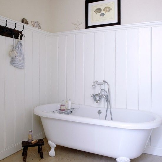 17 best images about coastal decorating ideas on pinterest for Roll top bathroom ideas