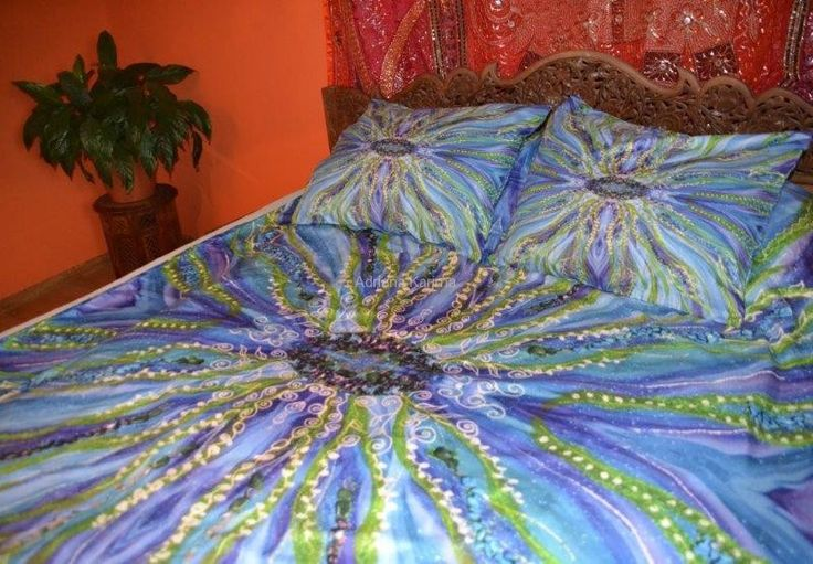 Energetic sheets with Adriana Karima's paintings – GROWTH Swathed in colors, you are bound to wake up with new energy.  The choice of colors will soothe you. Blue will relax you, green will regenerate you. Fabric, Microfiber 80gr/qm2, very nice to touch and comfortable in use. Breathable, non-staining. Ideal for allergic people. Available in two sizes: 140 x 200 with 1 pillow cover 50 x 60 – 169 zł 160 x 200 with 2 covers, 60 x 70 – 189 zł
