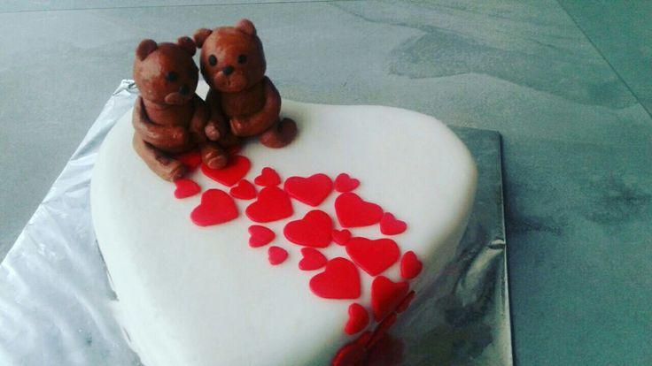 Caramel flavoured cute teady love cake