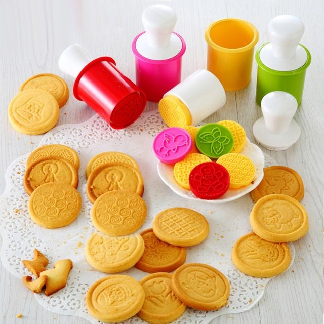 Christmas Cookie Stamp Biscuit Pastry Cutter Mold Baking Mould DIY Bakeware Tool