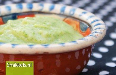 Maak zelf je babyvoeding! Kijk op Smikkels.nl voor het recept van Boontjes puree | Groentehap | Babyvoeding | Smikkels.nl