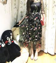 This is a 2017 SS Crew Neck Flower Patterns Flared Medium Short Sleeves Midi.