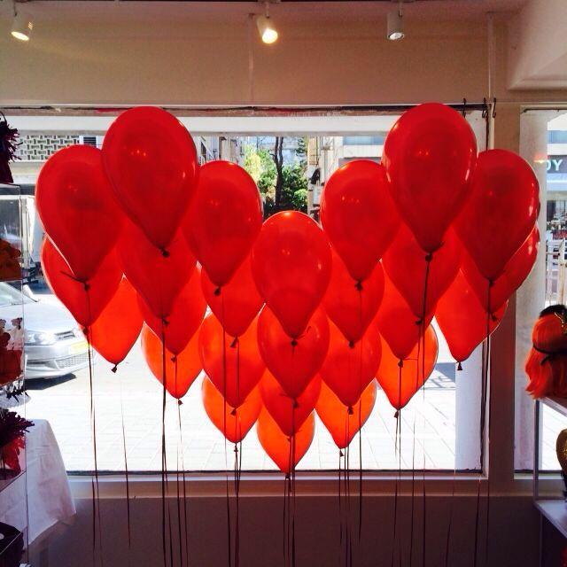 Valentine window display at hillula tel aviv Www.hillula.co.il