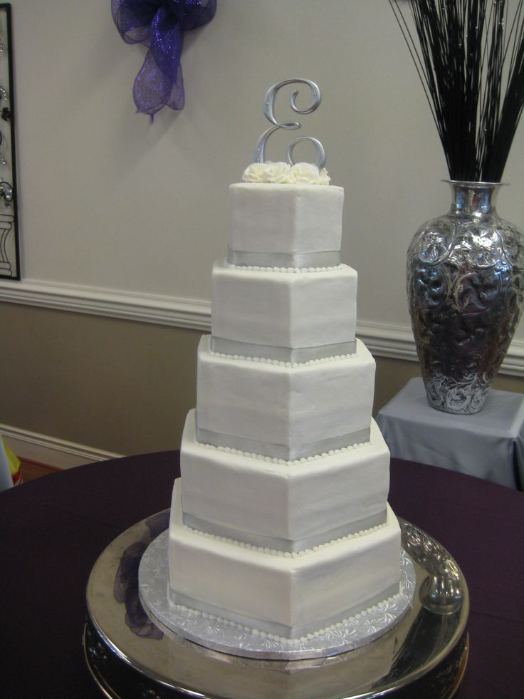 wedding cake silver ribbon 95 best images about wedding cakes on 24552