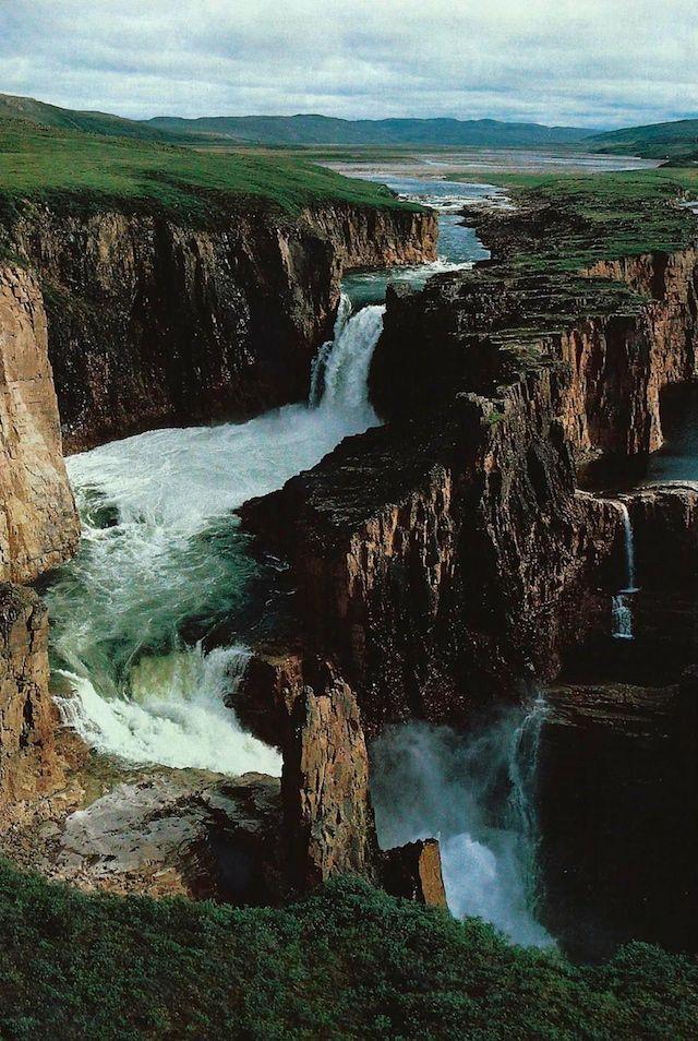 L'image du jour : Wilberforce tombe sur le Hood River auCanada