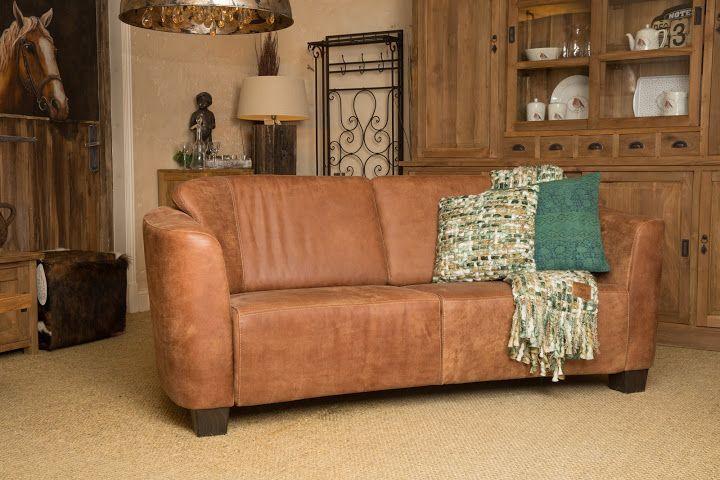 Landelijke bank Siësta uitgevoerd in afrika leder, leverbaar in diverse afmetingen en vele soorten bekledingen. Bezoek onze website voor nog veel meer landelijke meubelen.