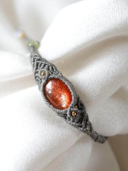 サンストーン&ペリドット&レインボームーンストーン天然石マクラメ編みブレスレット