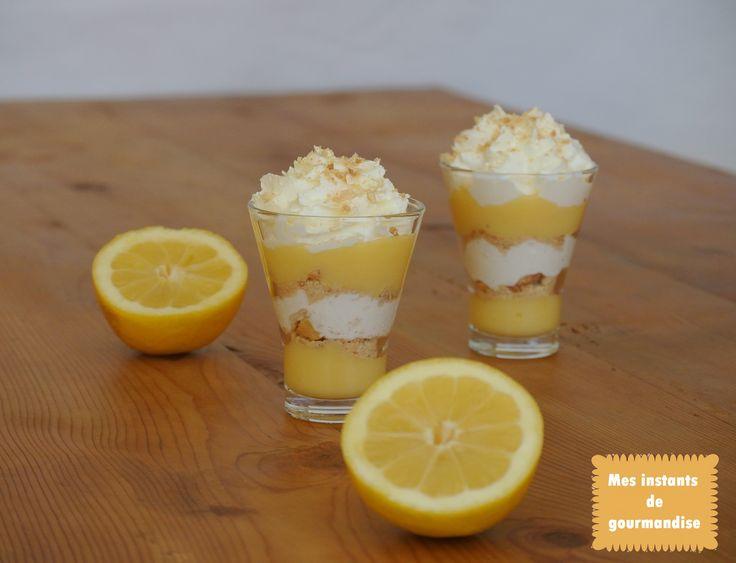 Trifle au citron   http://www.mesinstantsdegourmandise.blogspot.fr/2014/03/comme-un-kosmik-de-christophe-michalak.html#!http://mesinstantsdegourmandise.blogspot.com/2014/03/comme-un-kosmik-de-christophe-michalak.html