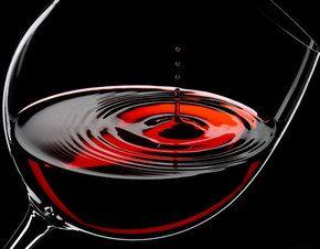 Vinul roşu face minuni pentru piele!