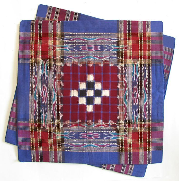 Hand Woven Cushion Covers with Ikkat Design (Cotton))