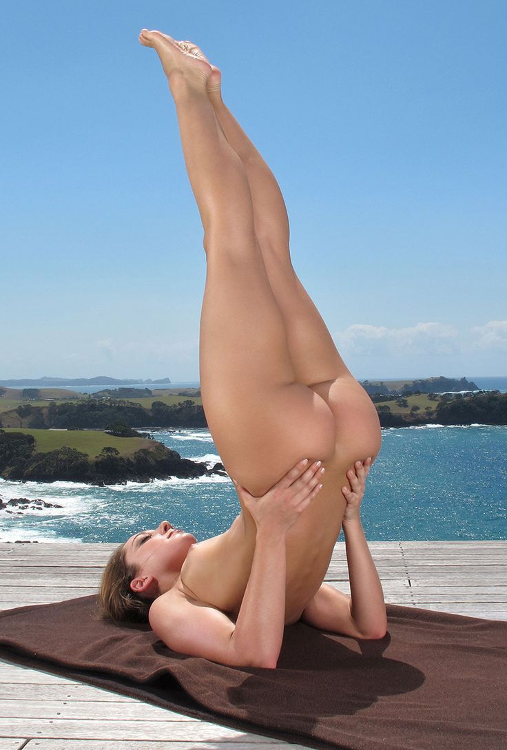 Naked Yoga Girls Ass