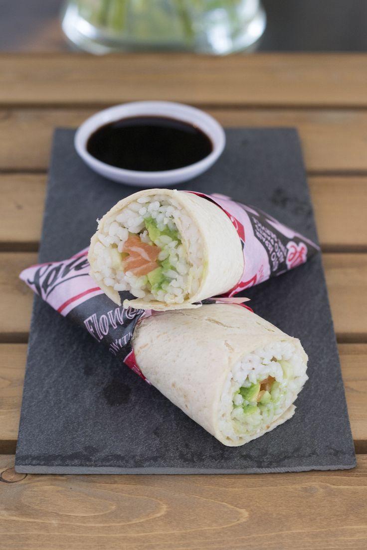 Alles wat je normaal gebruikt voor sushi, maar dan verpakt als burrito! Zo gemaakt en ideaal als lichte avondmaaltijd of lunch. Bekijk hier het recept.