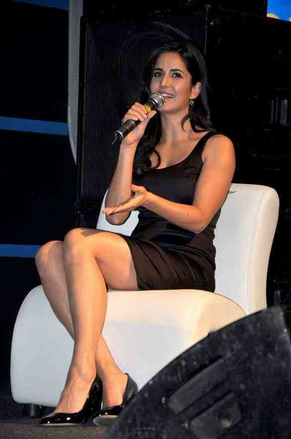 Hot and Sexy Katrina Kaif Wallpapers | CelebPath