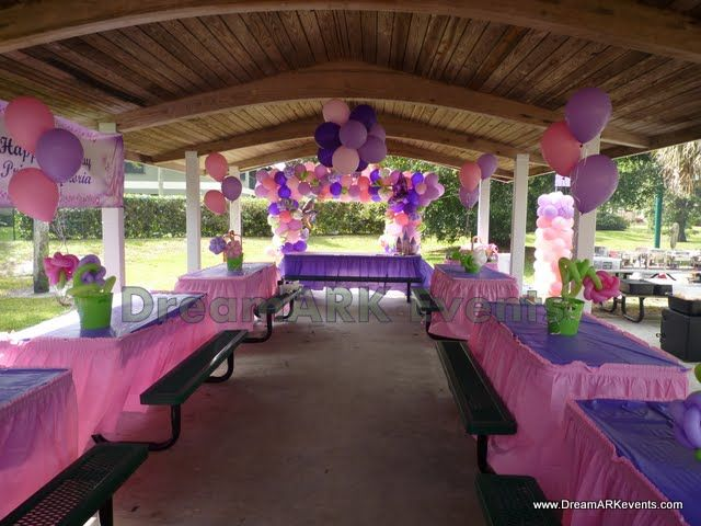 table covers for party in park