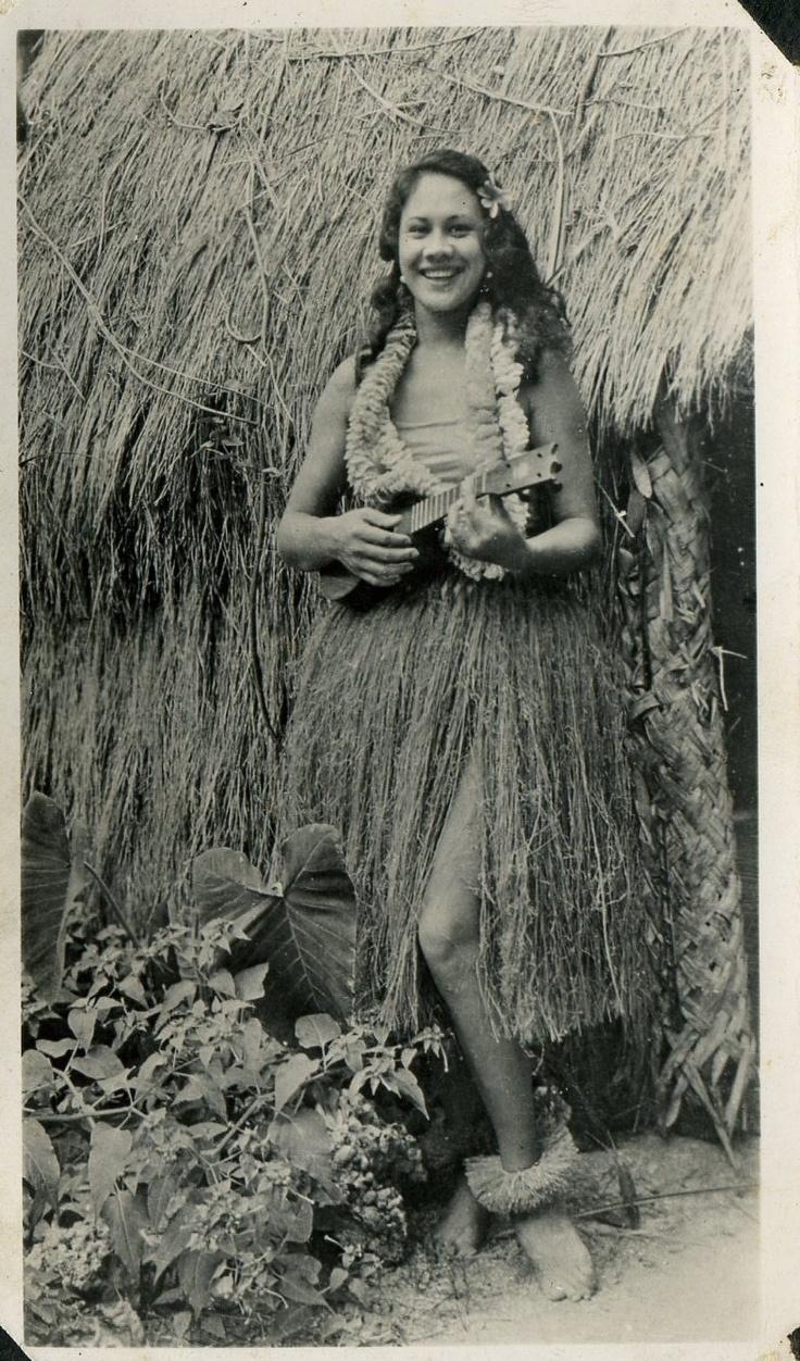 Island Local Hula Girl Grass Shack Ukulele 1940s