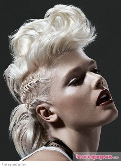 I need to try something similar to this so I can have an epic faux-hawk!