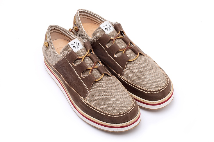 YOU FOOTWEAR - BROWN LEATHER AND COTTON SAIL - A sail shoe that evokes the classic boat-shoe models, 100% cotton, Naturally tanned cowhide leather (lining material printed fabric (100% cotton), Leather laces, Leather insole, VIBRAM sole, Midsole realized in recycled EVA, a flexible and elastic rubber, that is resistant and ultra-light, Logo insert on back panel, Fits true to size. Made in Italy