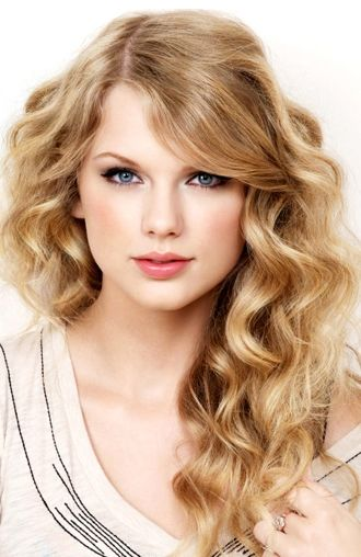 Taylor Swift ♥ The beautiful Taylor is a dead=ringer for the character 'Lana'...