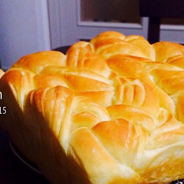 初のデニッシュパン!! ちゃんとバター折り込めてて層になってる!✨ - 186件のもぐもぐ - バター香るふんわりデニッシュパン by (⑅︎maˊᵕˋk i⑅︎ )